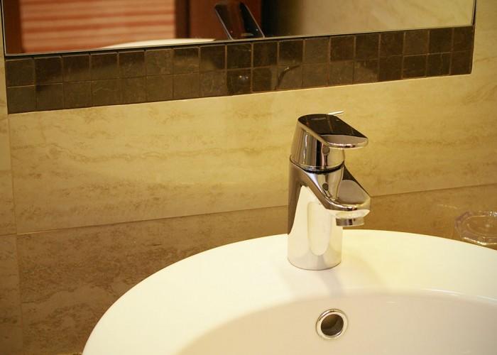 Szobáink - fürdőszoba részlet