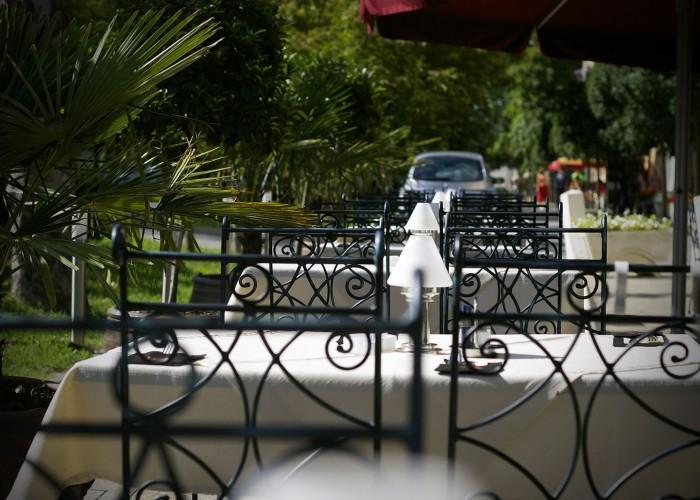 Éttermünk kerthelyisége - székek
