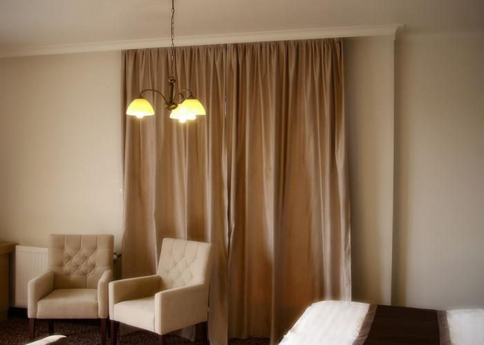 Kétágyas szoba - beépített led spot világítás és a beltér