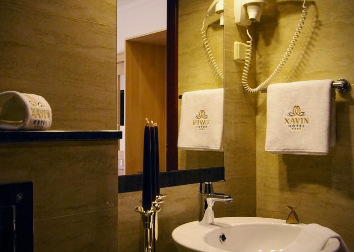 Fürdőszoba részlet - kézmosó és környezete