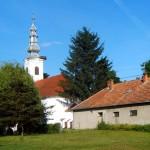 A harkányi református templom és kertje