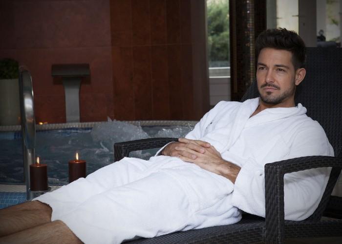 Pihenés és kikapcsolódás a Xavin Hotel nyugágyain a wellness részlegben