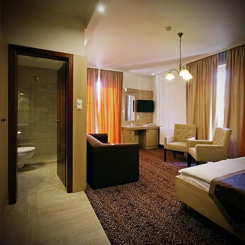 Standard franciaágyas szoba pótággyal - belső tér