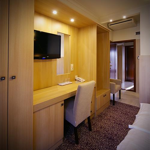 Családi szobák - belső tér és átjáró