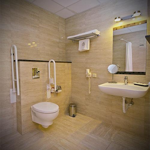Mozgáskorlátozott fürdőszoba