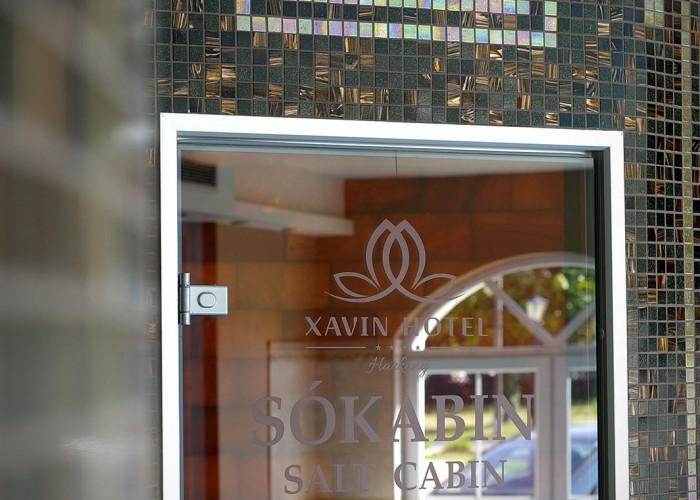 A Xavin Hotel sókabinjának bejárata.