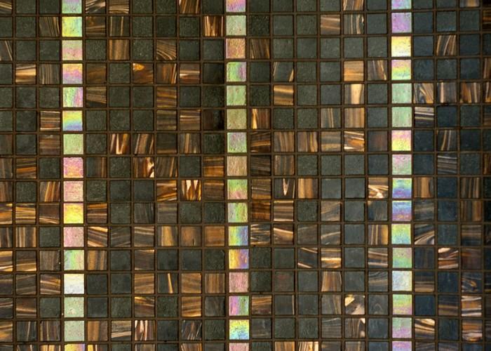 A hotel wellness részlegének vadonat új, első osztályú mozaik burkolata.