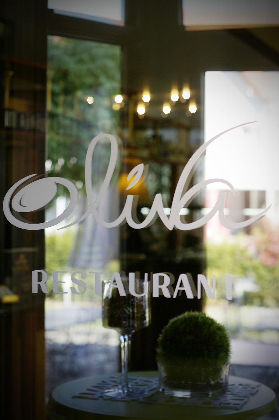 Az Oliva étterem bejárata