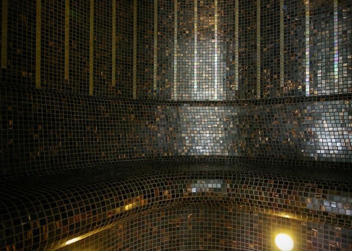 A gőzkabin mozaik burkolata
