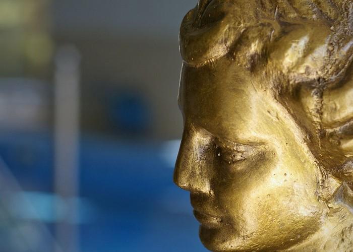 Görög istenség szobra a wellness részlegben.