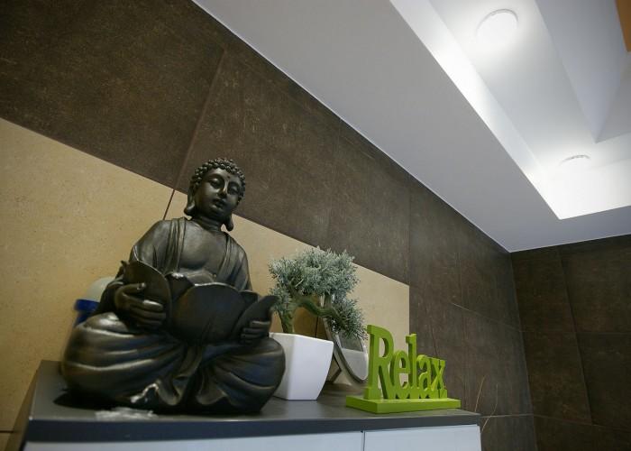 A szálloda masszázs szobája, Buddha szobor