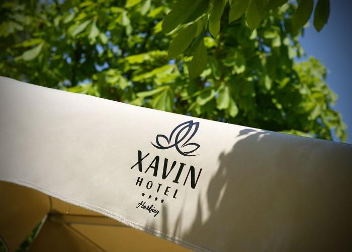 Oliva étterem mediterrán kerthelyiség napernyő