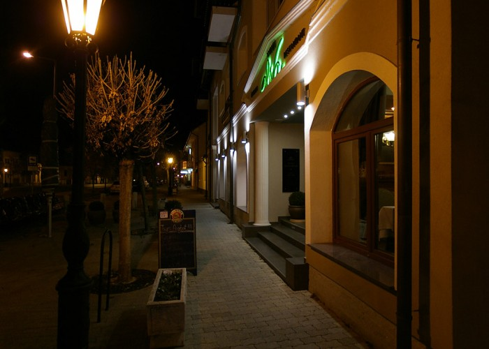 Xavin Hotel ősszel - este