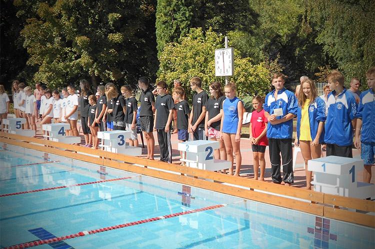 Harkányi Strandfürdő sport medence, úszóverseny